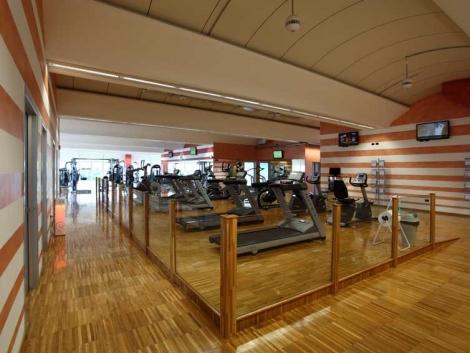 商业公共场所木地板翻新服务